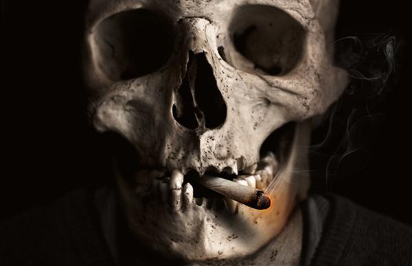 禁煙するだけで、すそわきが(陰部・まんこの臭い)の臭いが改善出来る可能性タップリです
