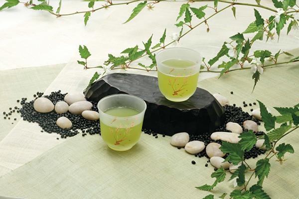 【日本人の心!】みなさん知っていましたか?わきがに緑茶が効果的?